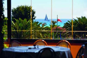 szardinia_hotel_4_csillagos_deli_part_tanka_village_resort_hotel_villasimius_etterem3