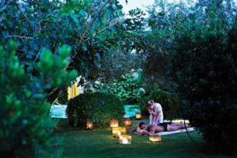 szardinia_hotel_4_csillagos_deli_part_tanka_village_resort_hotel_villasimius_kert5