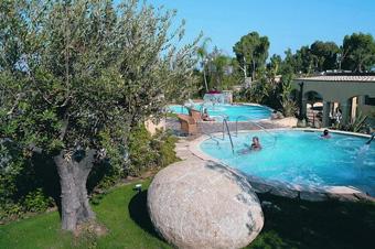 szardinia_hotel_4_csillagos_deli_part_tanka_village_resort_hotel_villasimius_medence4