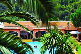 szardinia_hotel_4_csillagos_deli_part_tanka_village_resort_hotel_villasimius_medence5