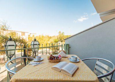 szardinia_hotel_4_csillagos_eszaki_part_ albergo_residence_club_gli_ontani_orosei_erkely