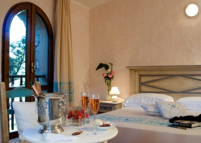 szardinia_hotel_4_csillagos_eszaki_part_colonna_country_porto_cervo_marina_szoba