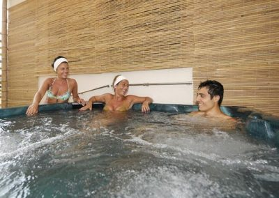 szardinia_hotel_4_csillagos_eszaki_part_hotel_residence_rina_alghero_jakuzzi