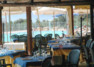 szardinia_hotel_4_csillagos_eszaki_part_parco_blu_club_resort_cala_gonone_etterem