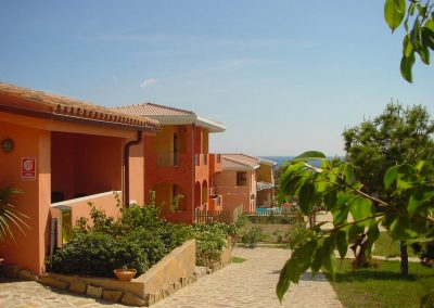 szardinia_hotel_4_csillagos_eszaki_part_parco_blu_club_resort_cala_gonone_kulso