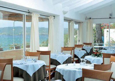 szardinia_hotel_4_csillagos_eszaki_part_park_hotel_resort_baia_sardinia_etterem