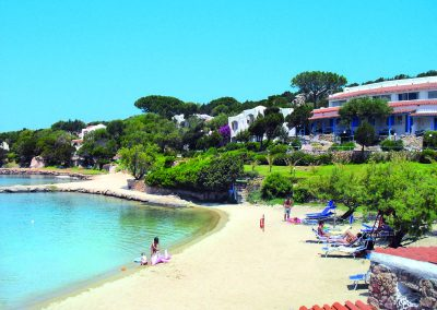 szardinia_hotel_4_csillagos_eszaki_part_park_hotel_resort_baia_sardinia_strand