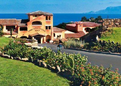 szardinia_hotel_4_csillagos_eszaki_part_valtur_colonna_beach_gofo_aranci_kulso