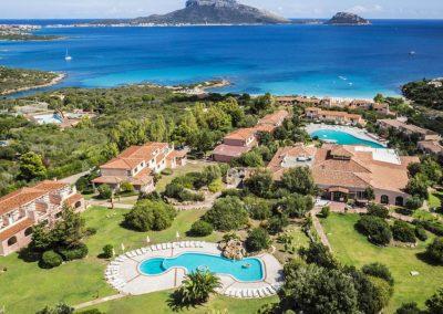 szardinia_hotel_4_csillagos_eszaki_part_valtur_colonna_beach_gofo_aranci_panorama