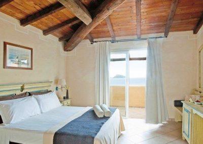 szardinia_hotel_4_csillagos_eszaki_part_valtur_colonna_beach_gofo_aranci_szoba