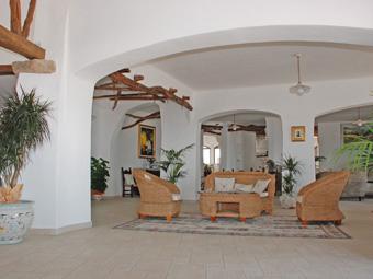 szardinia_hotel_4_csillagos_keleti_part_hotel_nuraghe_avru_cala_gonone_hall2