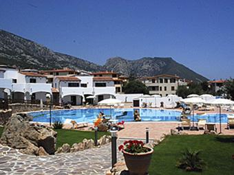 szardinia_hotel_4_csillagos_keleti_part_hotel_nuraghe_avru_cala_gonone_kulso2