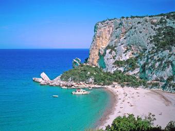 szardinia_hotel_4_csillagos_keleti_part_hotel_nuraghe_avru_cala_gonone_tengerpart2