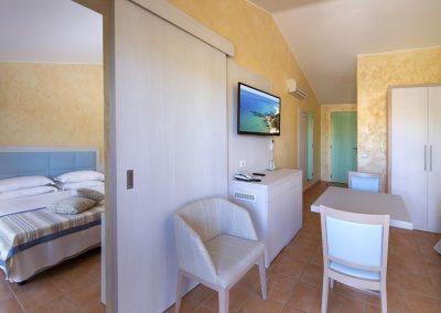 szardinia_hotel_4_csillagos_keleti_part_valtur_torre_chia_domus_de_maria_szoba2