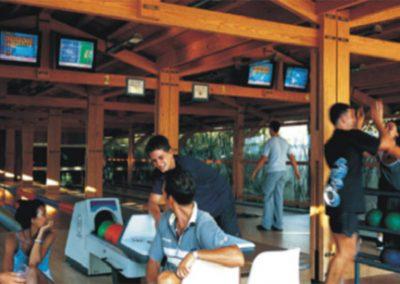 szardinia_hotel_5_csillagos_deli_part_forte_village_resort_luxus_udulofalu_pula_bowling