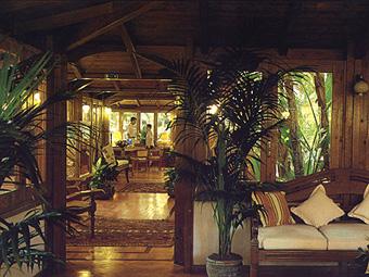 szardinia_hotel_5_csillagos_deli_part_forte_village_resort_luxus_udulofalu_pula_hall