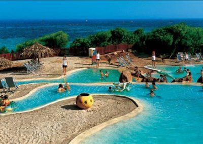 szardinia_hotel_5_csillagos_deli_part_forte_village_resort_luxus_udulofalu_pula_mini_club