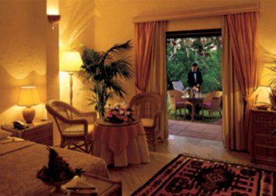 szardinia_hotel_5_csillagos_deli_part_forte_village_resort_luxus_udulofalu_pula_szob