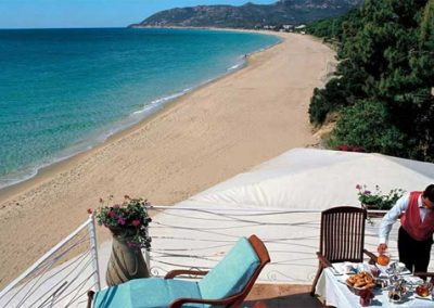 szardinia_hotel_5_csillagos_deli_part_forte_village_resort_luxus_udulofalu_pula_tengerparti_ebed