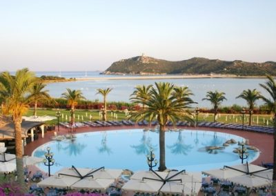 szardinia_hotel_5_csillagos_deli_part_pullmann_timi_ama_sardegna_villasimius_medence_panorama