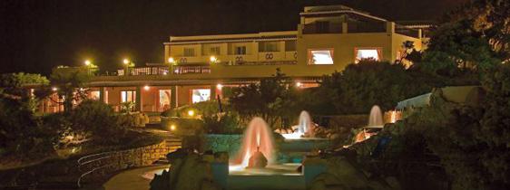 szardinia_hotel_5_csillagos_eszaki_part_collona_hotel_capo_testa_santa_teresa_di_gallura_este2