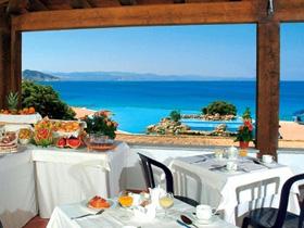 szardinia_hotel_5_csillagos_eszaki_part_collona_hotel_capo_testa_santa_teresa_di_gallura_etterem