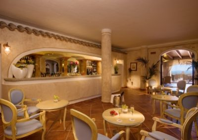 szardinia_hotel_5_csillagos_eszaki_part_colonna_resort_porto_cervo_lobby