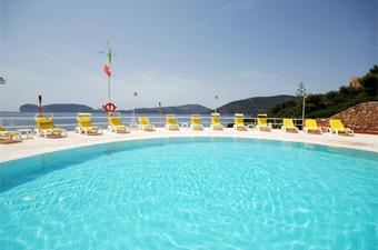 szardinia_hotel_5_csillagos_eszaki_part_hotel_el_faro_alghero_medence5