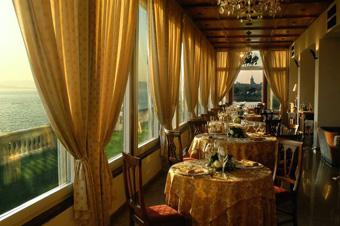 szardinia_hotel_5_csillagos_eszaki_part_villa_las_tronas_hotel_alghero_etterem
