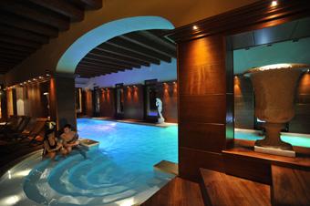 szardinia_hotel_5_csillagos_eszaki_part_villa_las_tronas_hotel_alghero_medence3
