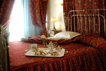 szardinia_hotel_5_csillagos_eszaki_part_villa_las_tronas_hotel_alghero_szoba2