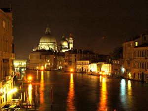 velence_night