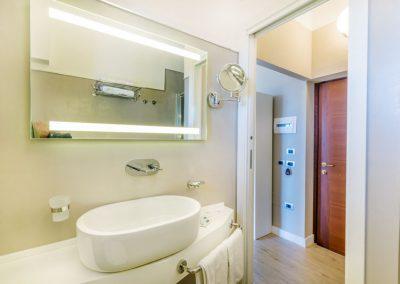 szardinia_3_csillagos_hotel_eszaki_part_hotel_el_balear_alghero_furdoszoba
