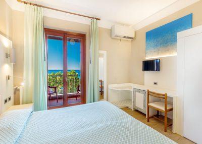 szardinia_3_csillagos_hotel_eszaki_part_hotel_el_balear_alghero_halo