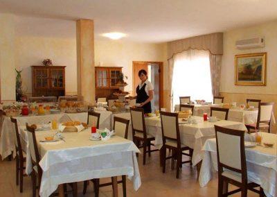 szardinia_3_csillagos_hotel_eszaki_part_hotel_gabbiano_isola_rossa_etterem