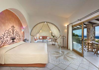 szardinia_5_csillagos_hotel_eszaki_part_resort_valle_dell_erica_thalasso_spa_santa_teresa_di_gallura_szoba_kilatas