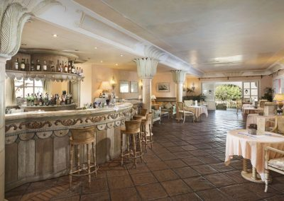 szardinia_hotel_4_csillagos_eszaki_part_hotel_le_palme_porto_cervo_american_bar