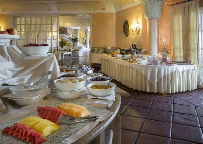 szardinia_hotel_4_csillagos_eszaki_part_hotel_le_palme_porto_cervo_etterem