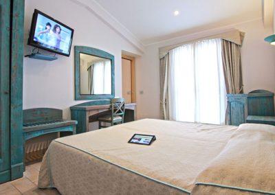 szardinia_hotel_4_csillagos_eszaki_part_hotel_punta_negra_alghero_szoba