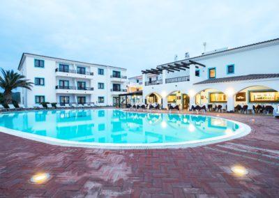 szardinia_hotel_la_funtana_esterni_are_piscina9.jpg