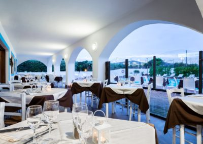 szardinia_hotel_la_funtana_esterni_area_portico2.jpg