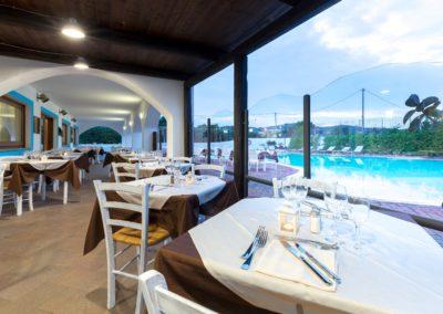 szardinia_hotel_la_funtana_esterni_area_portico3.jpg