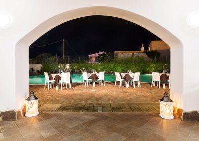 szardinia_hotel_la_funtana_esterni_area_portico7.jpg