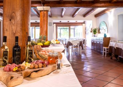 szardinia_hotel_la_funtana_ristorante_sala_interna_taverna